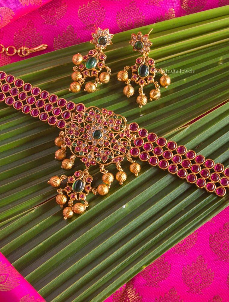Beautiful Kemp Stone Choker with Golden Beads