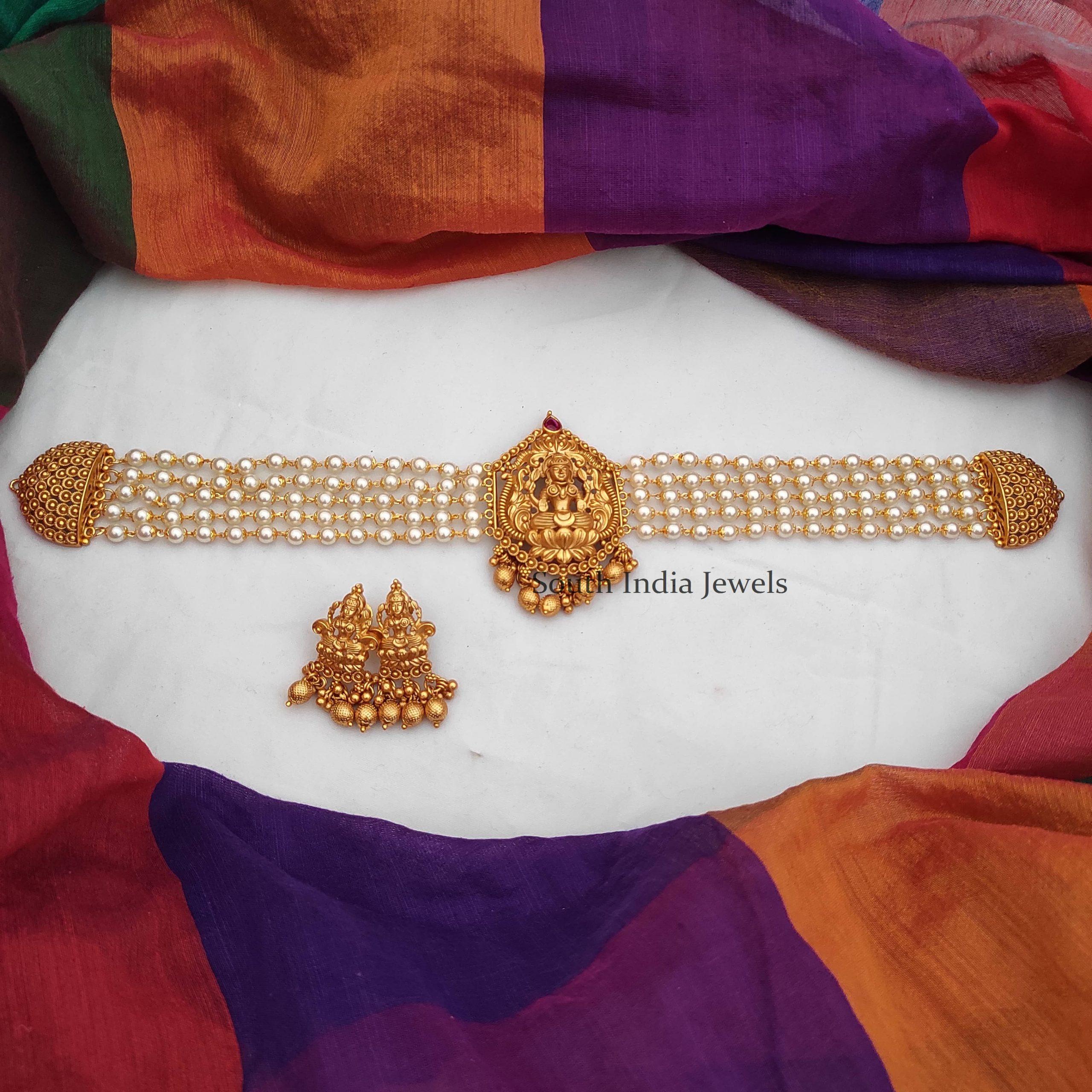 Beautiful Lakshmi Pendant Choker-07