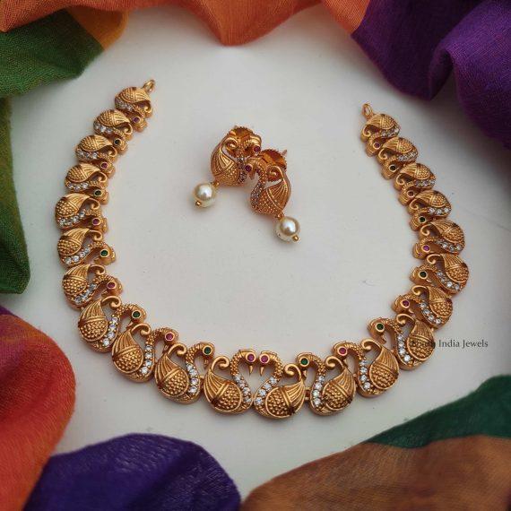 Beautiful Swan Design Light Weight Necklace-01