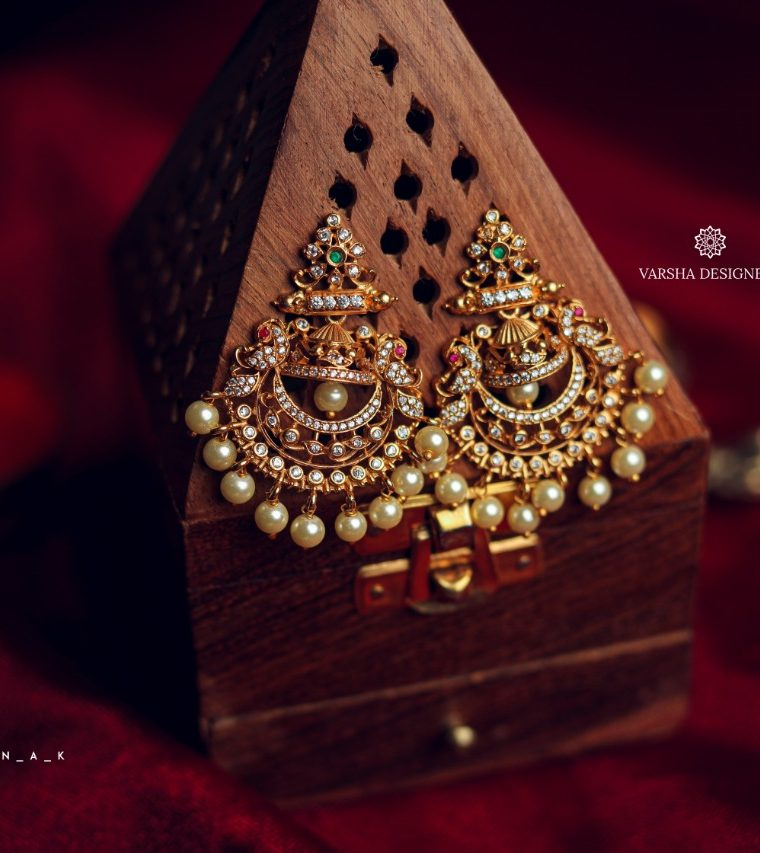 Charming Chandbali Earrings-01