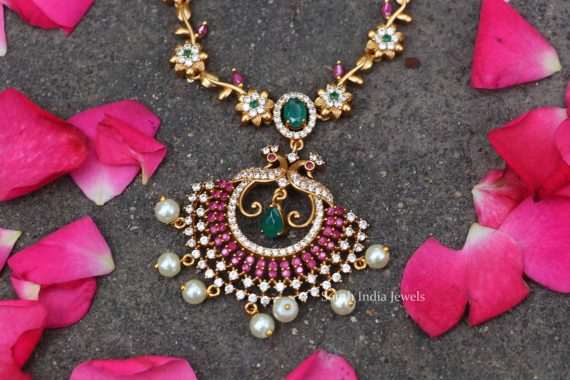 Gorgeous Alluring Gold Tone Short Necklace-03