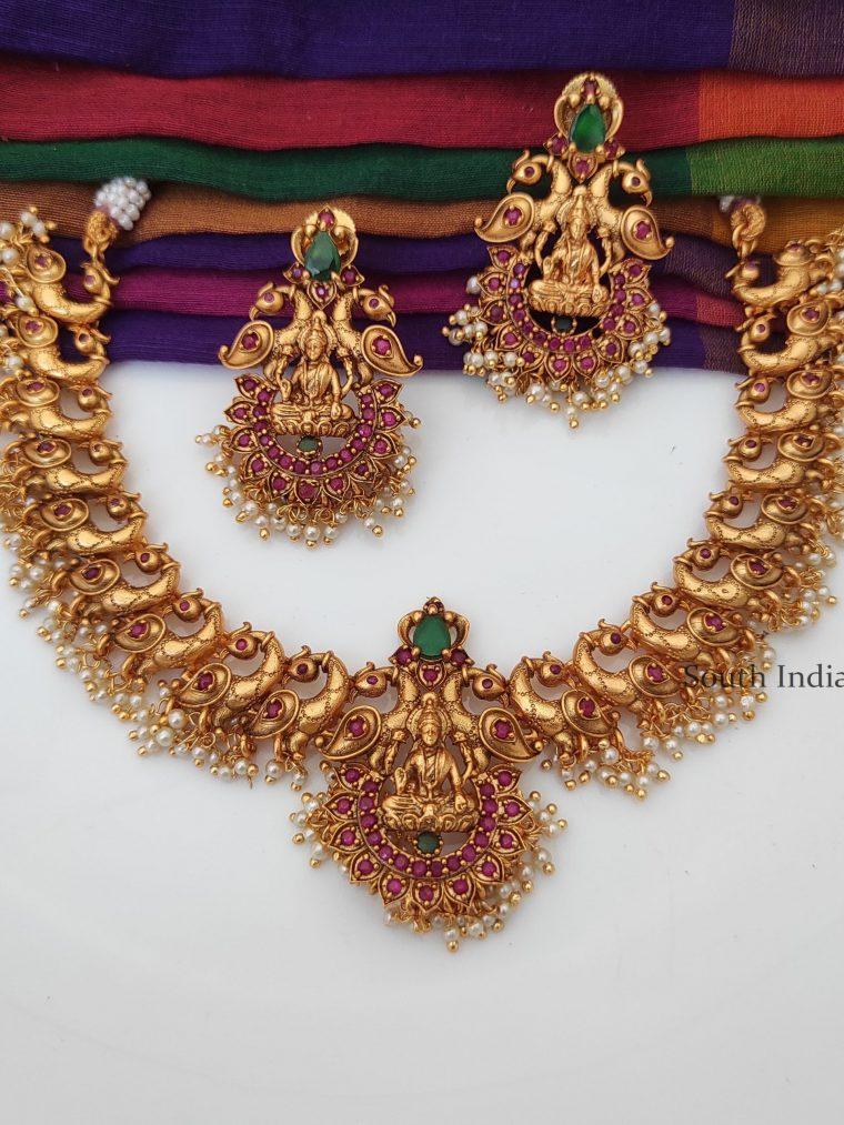 Grand Lakshmi and Peacock Design Necklace-01