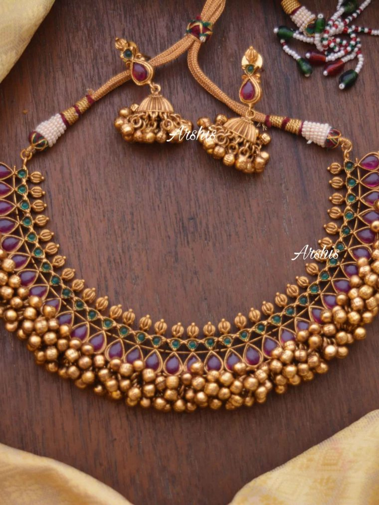 Heavy Red & Green Kemp Ghunguroo Necklace-01