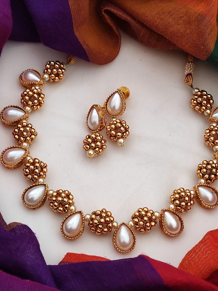 Stunning Antique Beaded Necklace-01