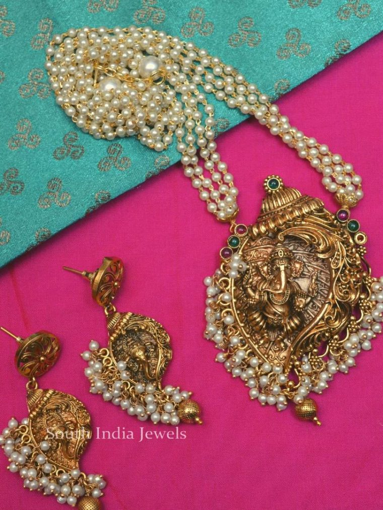 Classic-Ganesh-Pendant-Pearl-Necklace