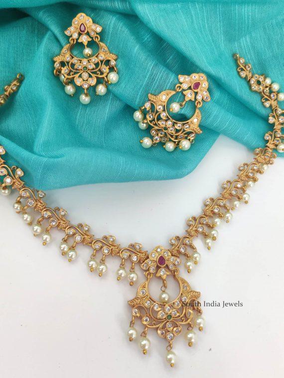Elegant Floral Design Matte Finish Necklace