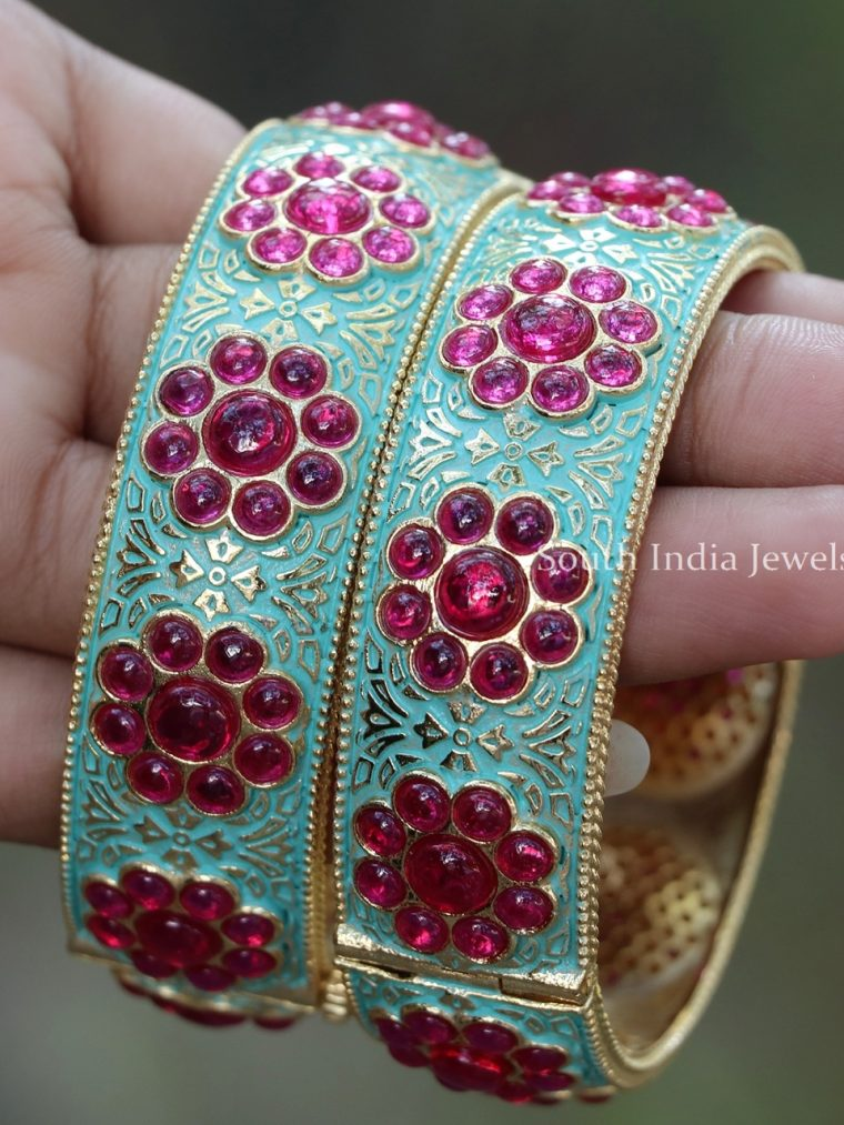Floral Design Kemp Stone Bracelet Bangles