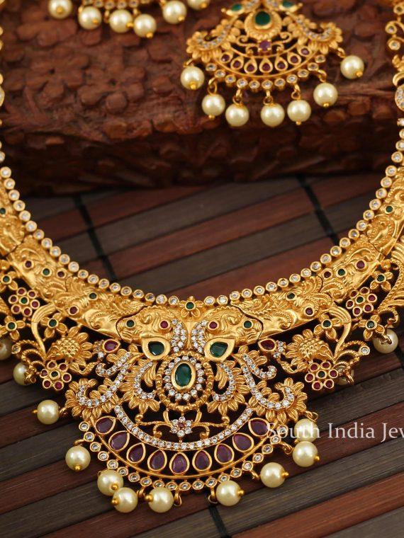 Grand Matte Floral Short Necklace-03