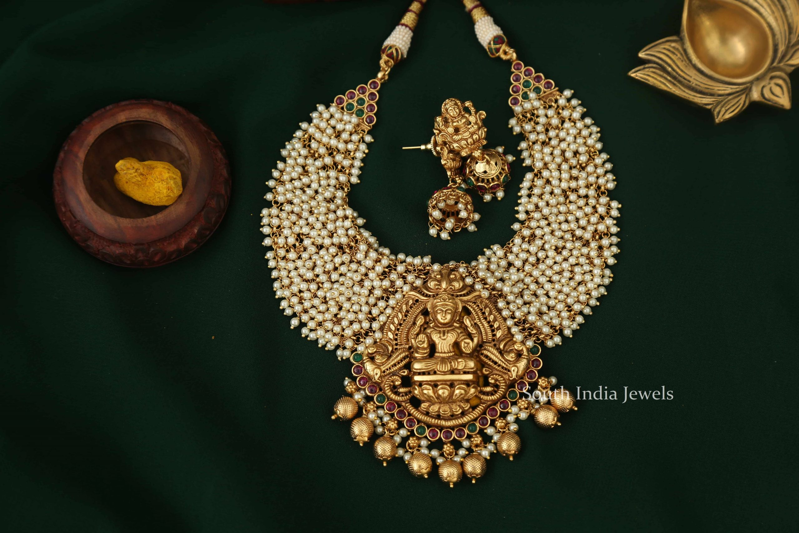 Imitation Ruby Stone Pearl Lakshmi Necklace-04
