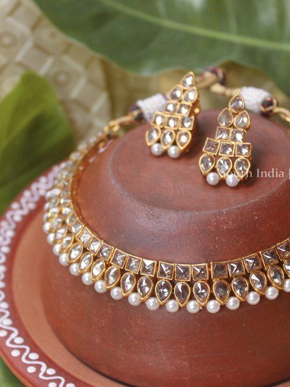 Simple Kundan Choker Set with Earrings