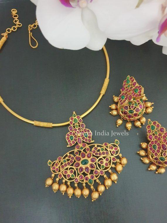 Stunning Flower Design Kante Necklace