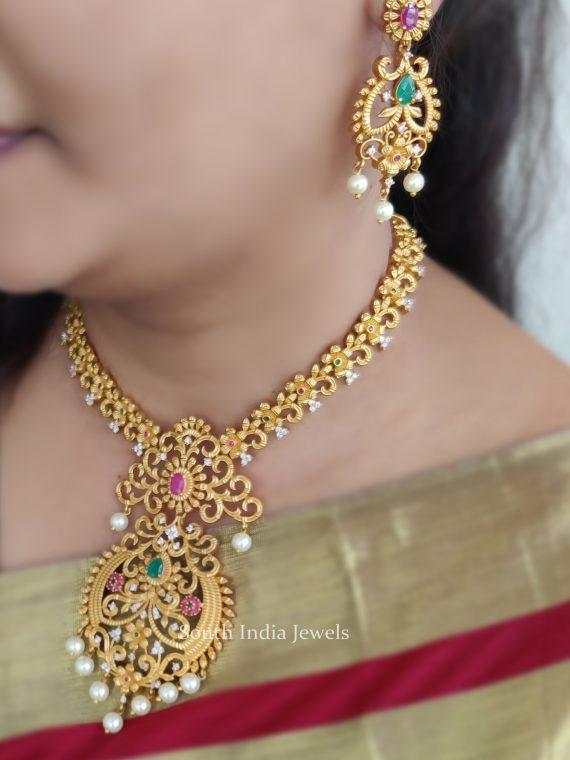 Traditional Floral Design Matte Finish Necklace