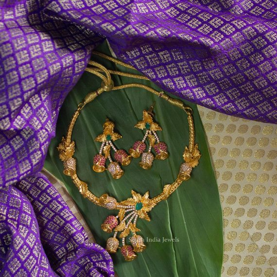 Unique Casting Cut Flower Necklace