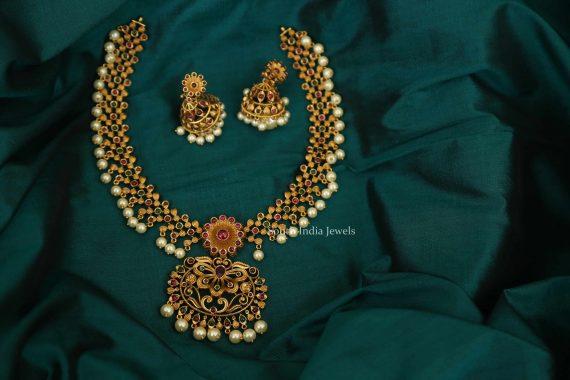 Unique Floral Design Imitation Necklace