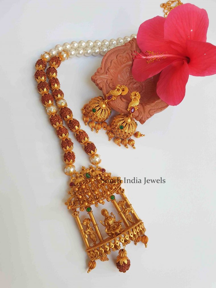 Antique Temple Lakshmi Pendant Necklace (2)