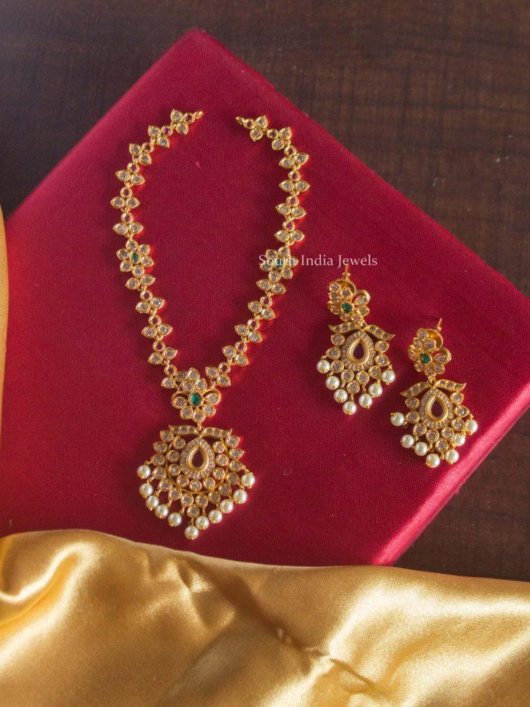 Attractive AD Stone Flower Design Necklace