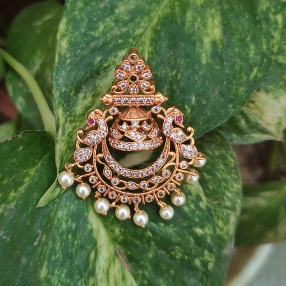 Pretty Chandbali Earrings-01