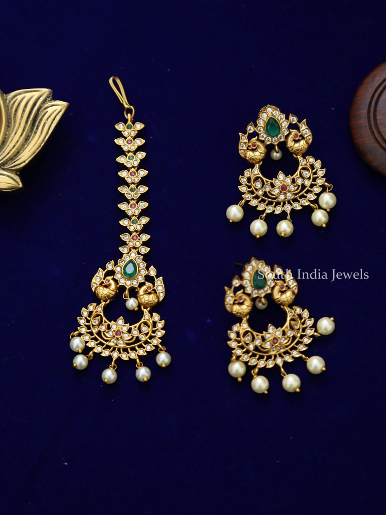 Trendy Manng Tikka and Earrings