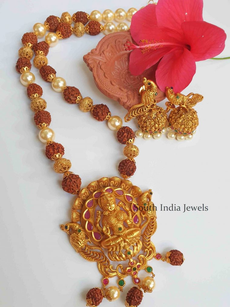 Unique Lakshmi Pendant Pearl Necklace (3)