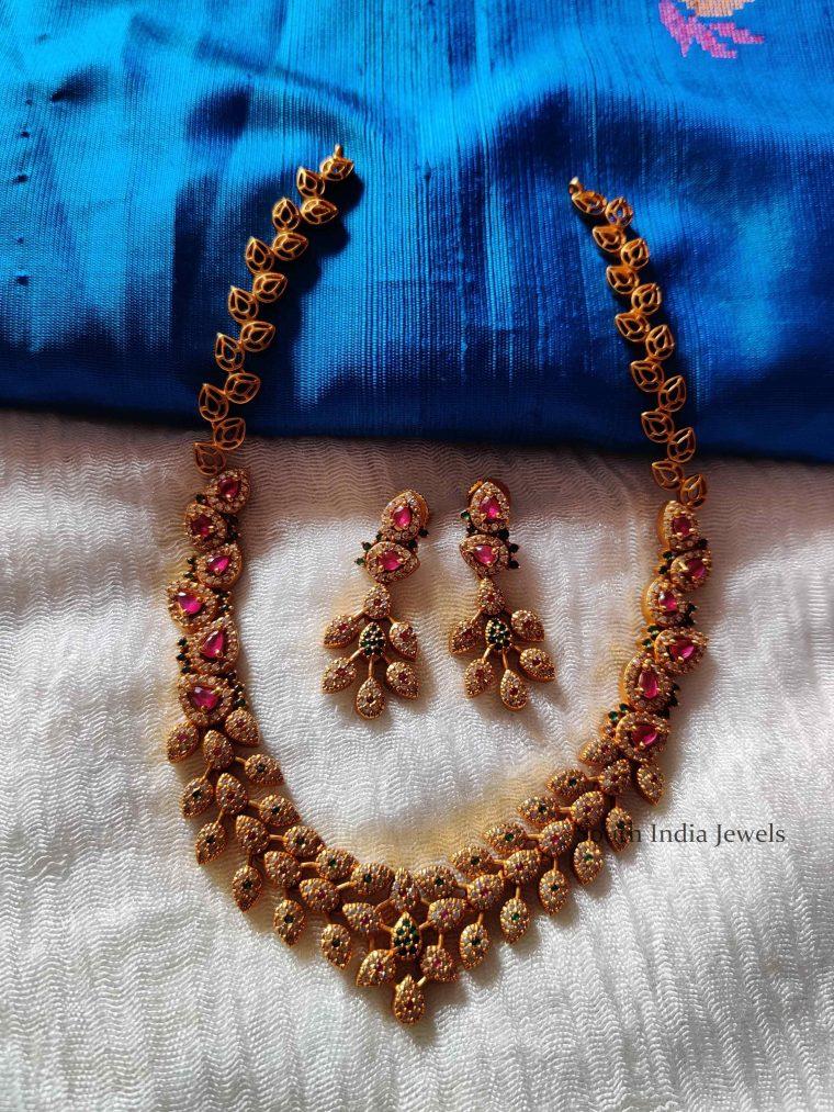 Amazing Leaf Design Necklace