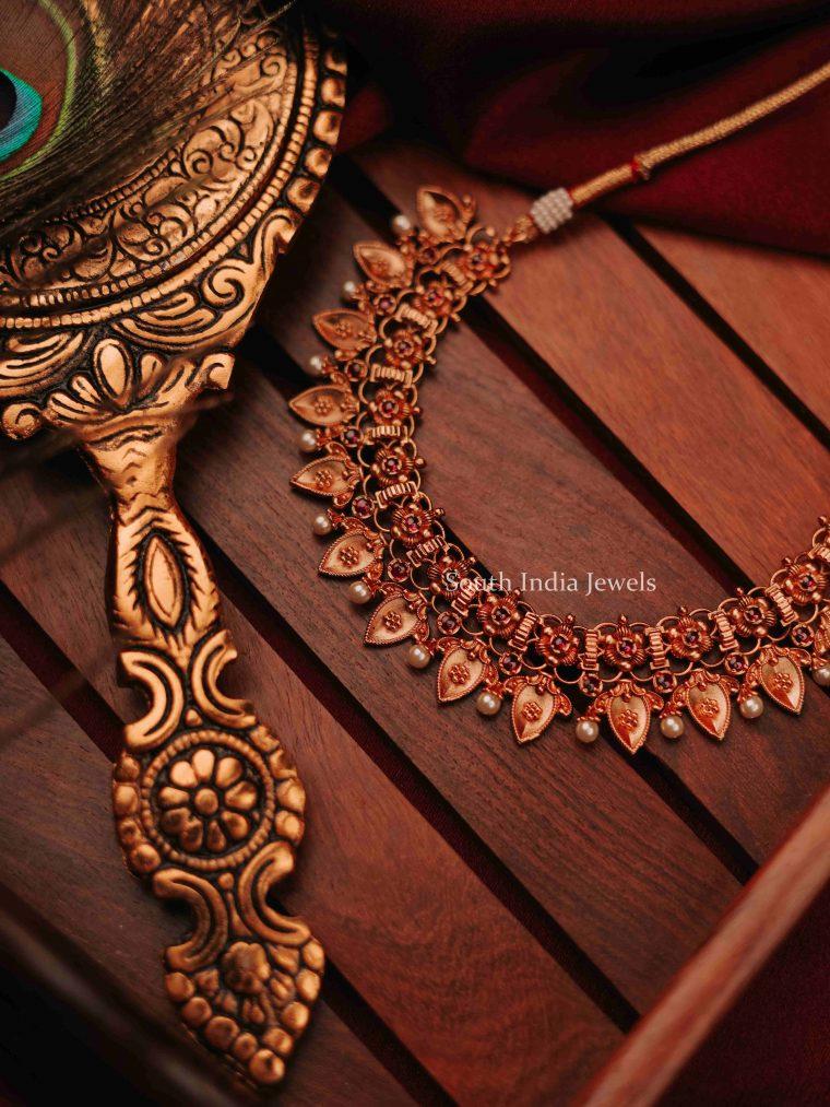 Beautiful Floral Design Necklace (3)