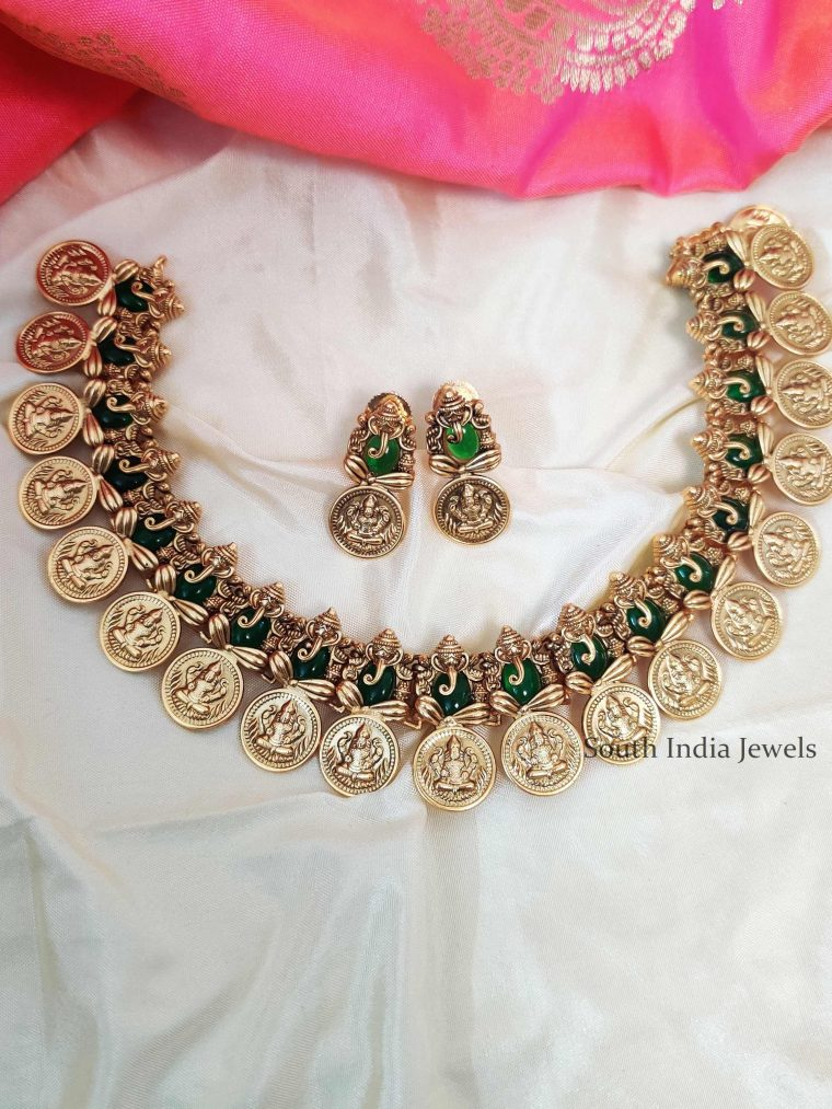 Beautiful Lakshmi Ganesh Green Stone Necklace (3)