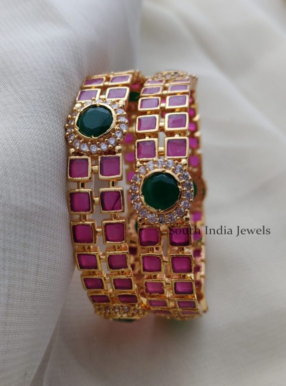 Elegant Red and Green AD Bangles