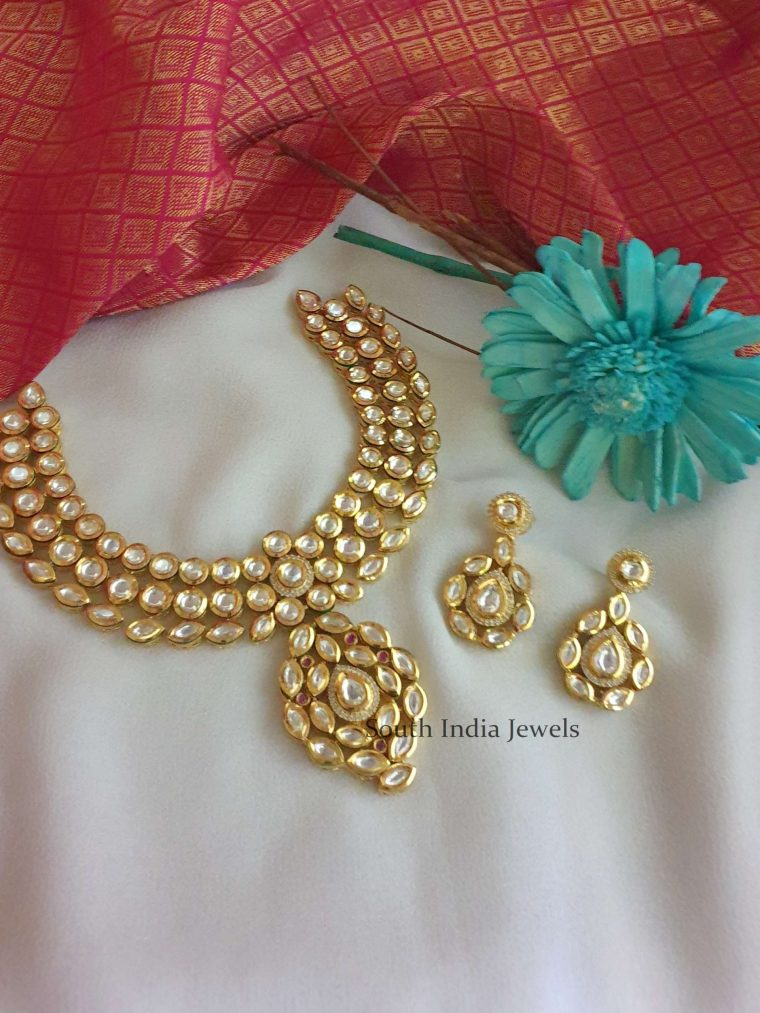 Exquisite Kundan Stone Necklace (2)