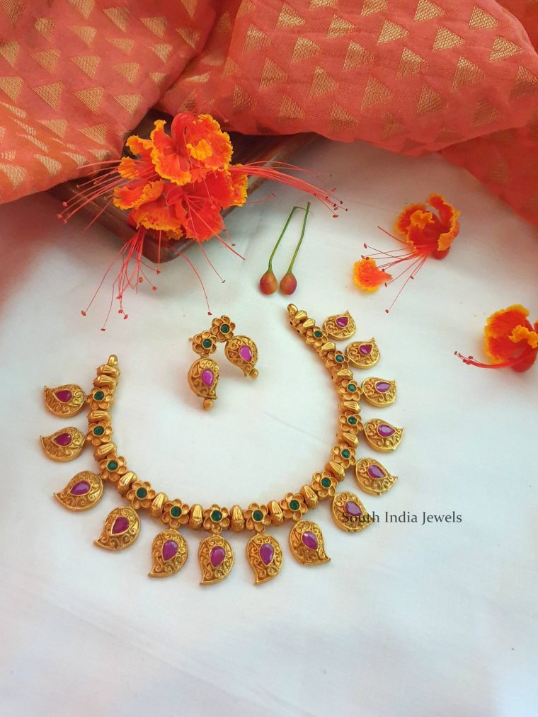 Gorgeous Mango Design Necklace