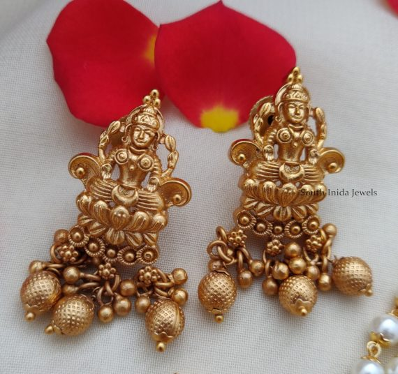 Matte Finish Lakshmi Pendant Pearl Choker