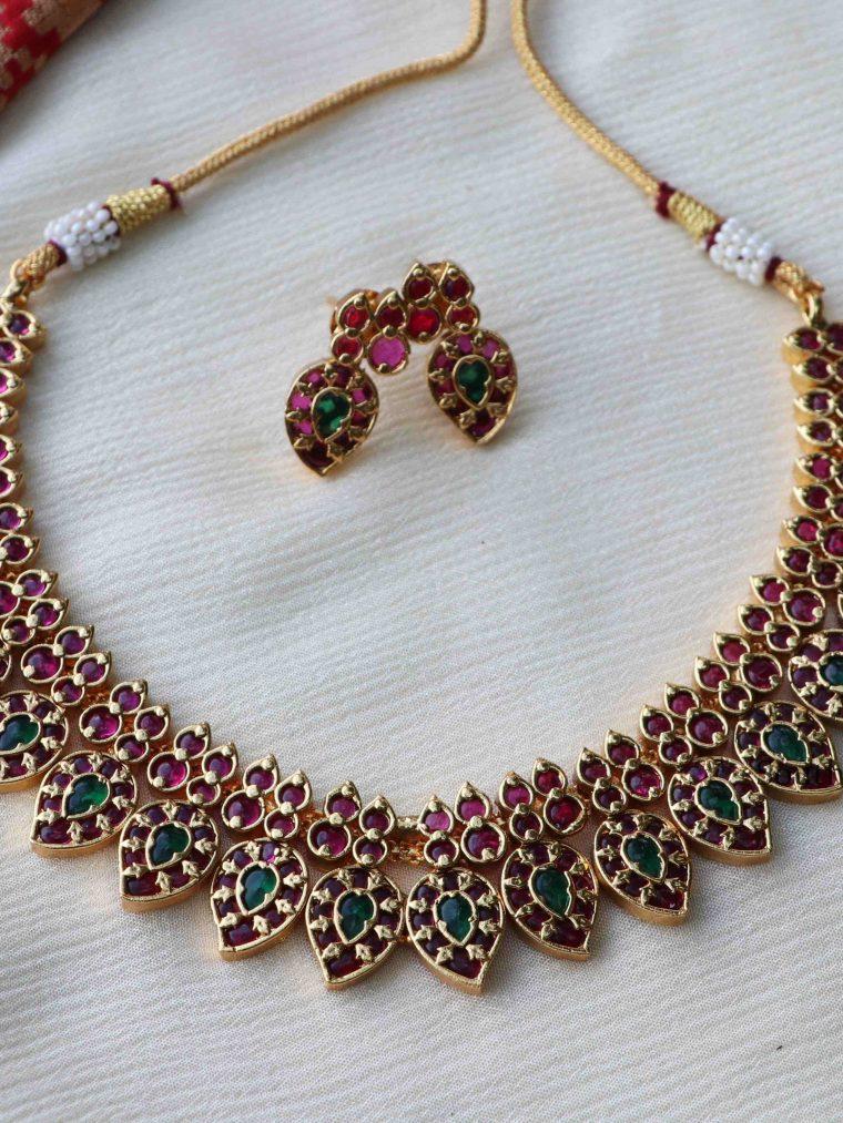 Simple Kemp Mango Design Necklace