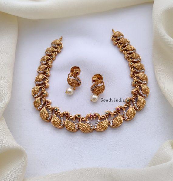 Simple Swan Design Necklace-01