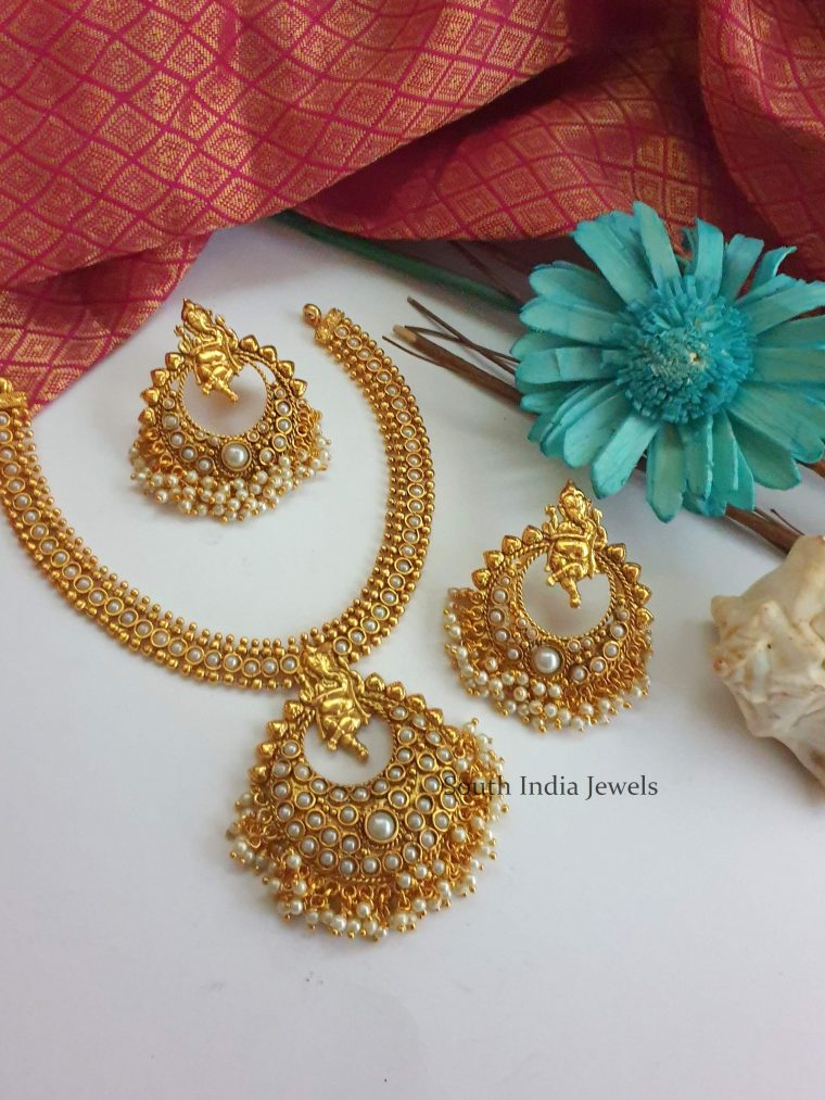 Stunning Ganesh Imitation Necklace (2)