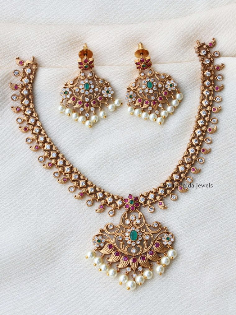 Traditional Ruby Green Floral Design Necklace
