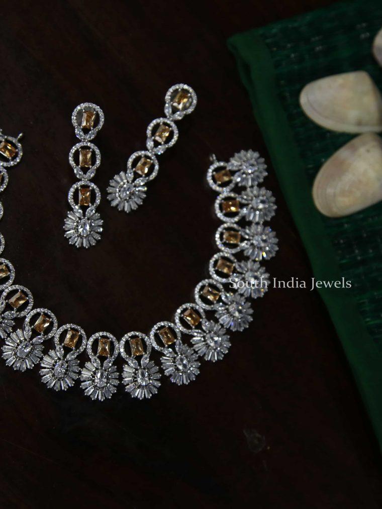 Unique White & Gold Necklace