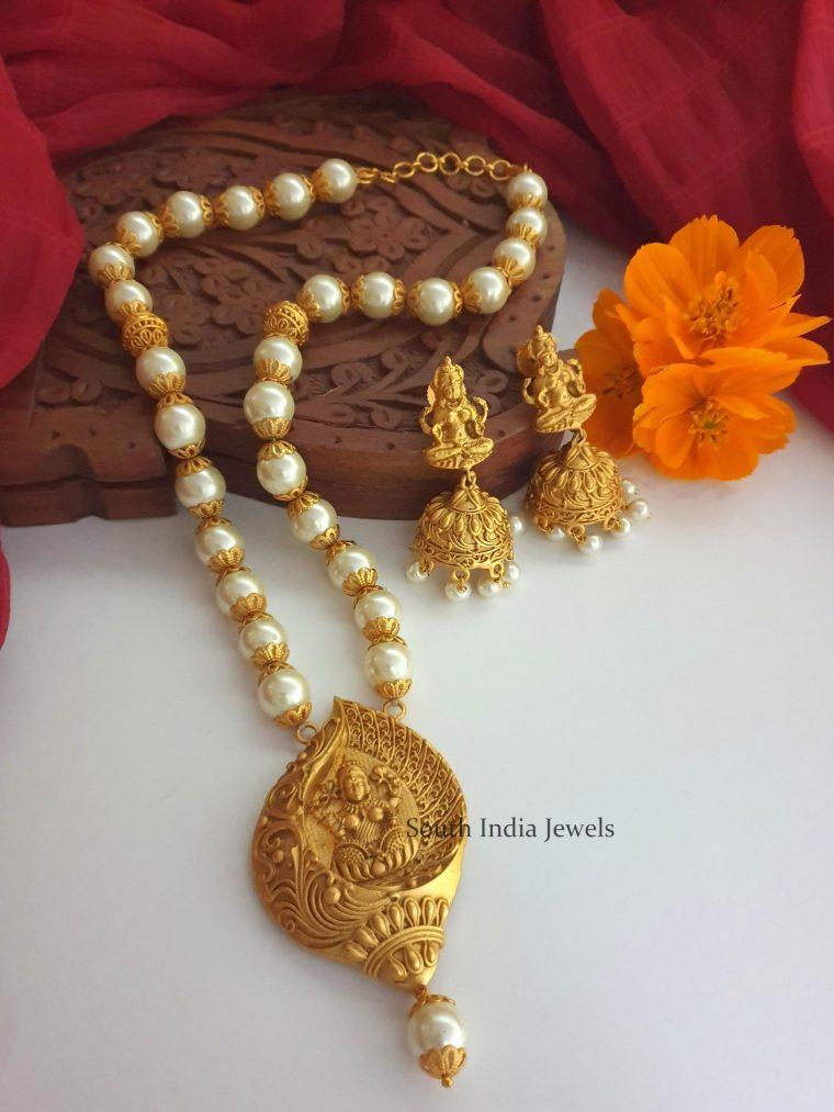 Amazing Lakshmi Pendant Pearl Chain (2)