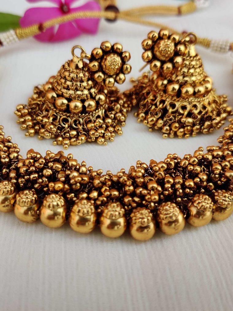 Beautiful Gold Beads Choker (2)