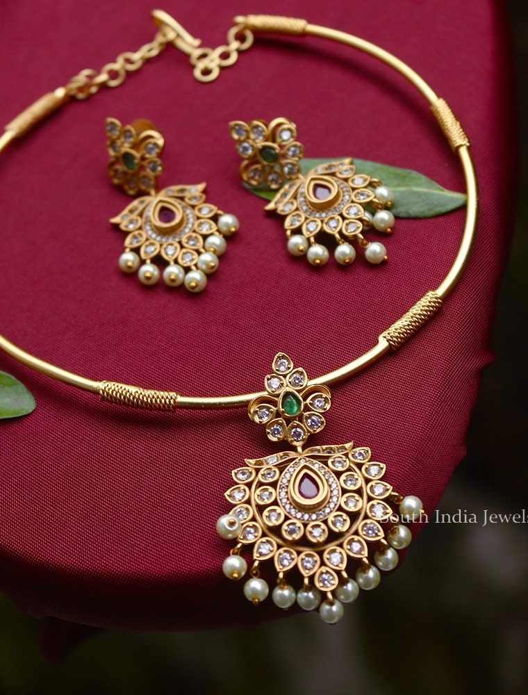 Classic Flower Design Rope Necklace (2)