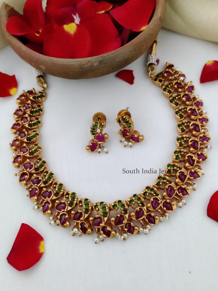 Elegant Kemp & Green Stone Necklace-01