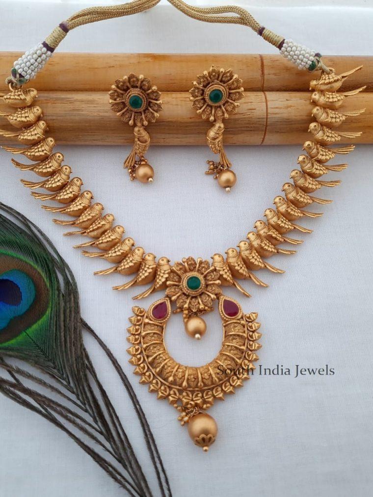 Pretty Parrot Design Necklace