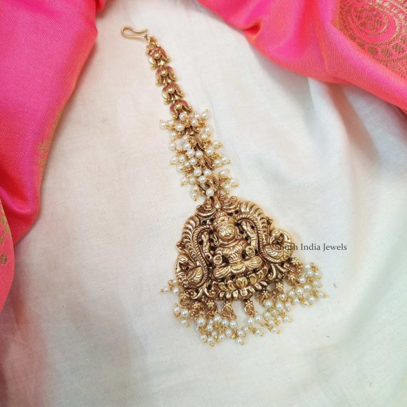 Stunning Lakshmi Maang Tikka