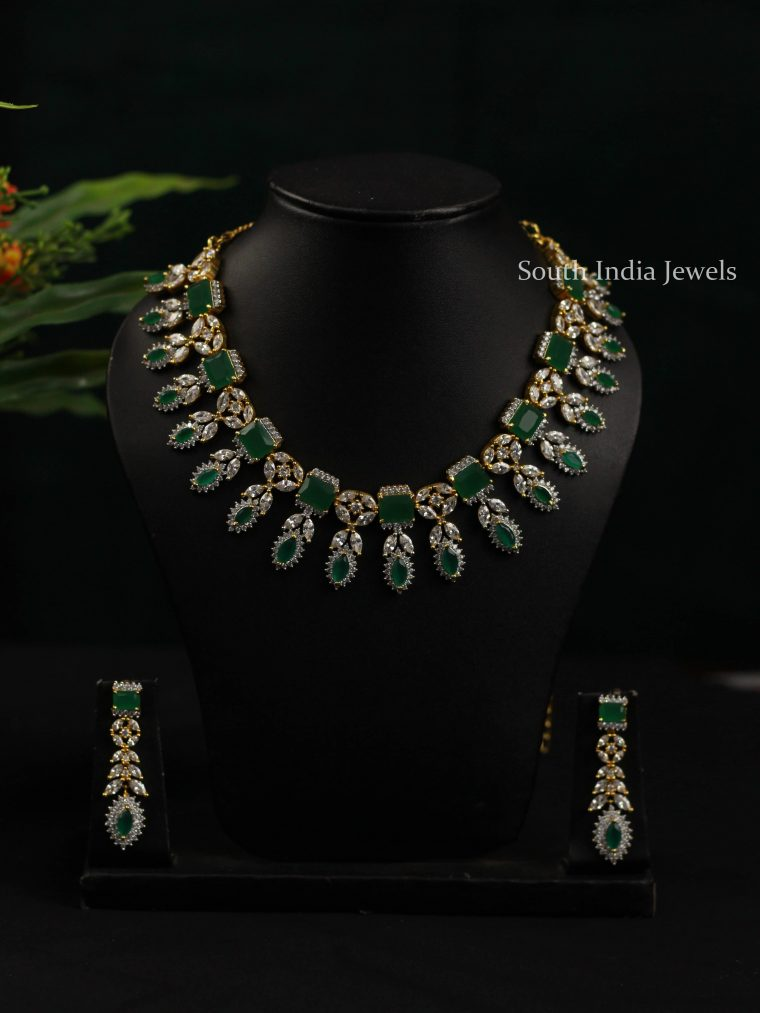 Traditional Green Stone Necklace