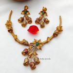 Trendy Flower Design Necklace