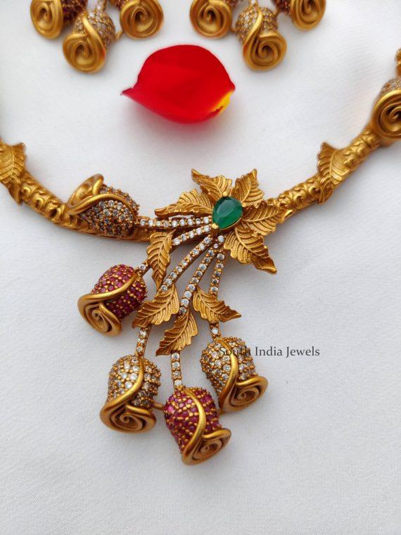 Trendy Flower Design Necklace (2)