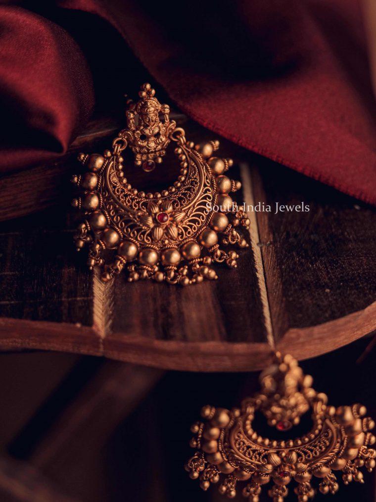 Trendy Golden Gungru Chandbali Earrings