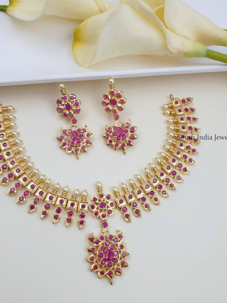 Beautiful Necklace with Dangler Earrings
