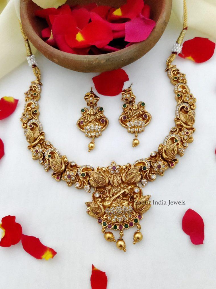 Elegant Lakshmi Temple Design Necklace (2)
