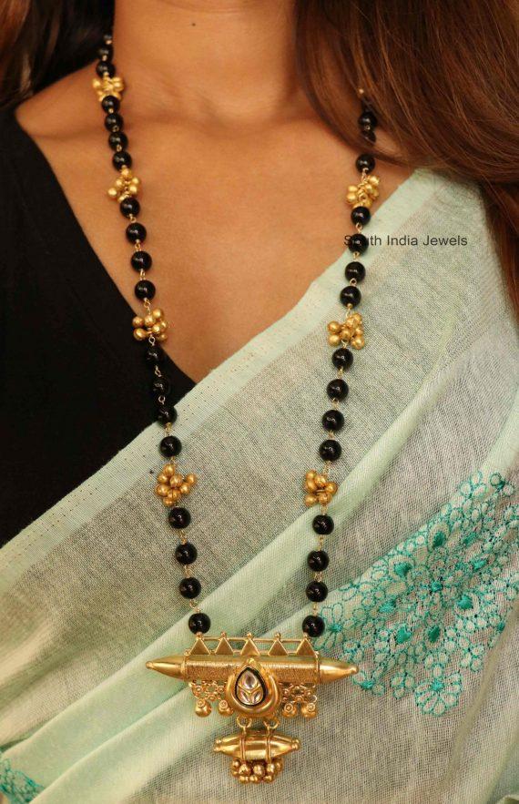 Fancy Black Beads Kundan Mangalsutra (3)
