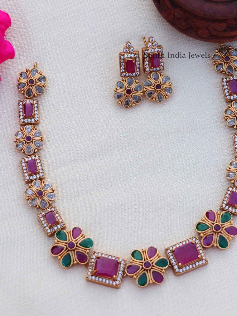 Pretty Floral Stone Necklace