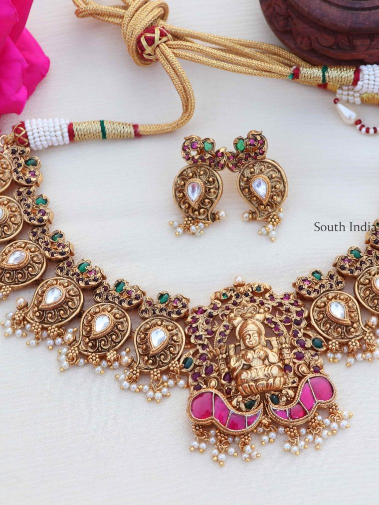 Pretty Lakshmi Design Bridal Choker